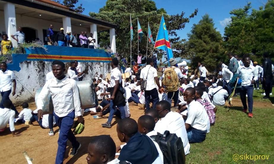 Insécurité à l'Est: Des élèves en sit-in à la mairie de Béni pour exiger l'arrivée de FélixTshisekedi